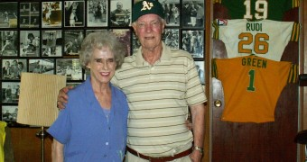 Monte Moore and his wife Deonne. Nancy Vigran/Valley Voice